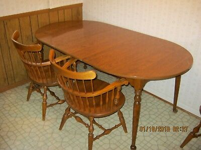 Early 1970's Ethan Allen American Traditional Dining Table - Nutmeg