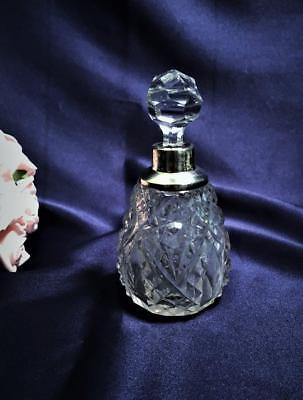 ANTIQUE CRYSTAL PERFUME BOTTLE WITH HALLMARKED COLLAR c1900's