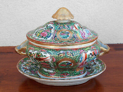 1820's Rare Chinese Export Rose Medallion Sauce Tureen with Orig. under plate