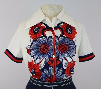 Vintage 1970s  Womens Floral White Blue Red Short Sleeve Button Shirt Blouse