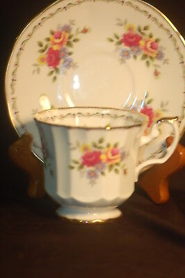 Elizabethan Scalloped Floral  Jaqueline Cup and Saucer