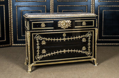 Magnificent French Dresser a Design v. J.H.Riesener
