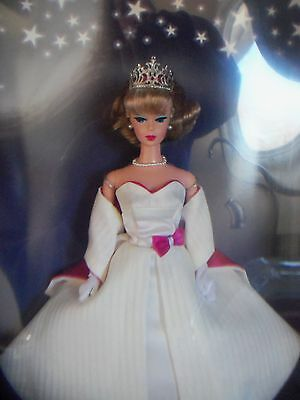 Queen of the Prom Barbie 2001 Convention Mattel NEW