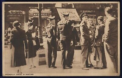 Piccadilly Circus In Wartime Postcard US Army Postal Service Postmark & Examiner