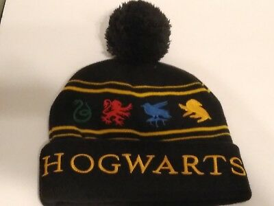 c5e86b64a03 Harry Potter Hogwarts Winter Beanie Hat Warner Brothers Universal Movie one  size