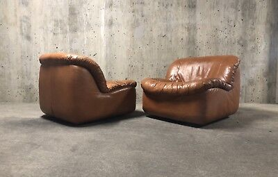 Desede / Vladimir Kagan / J Rober Scott Style 1980's Swivel Lounge Chairs Pair