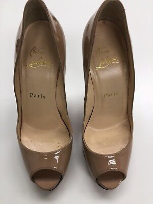 55083c671403 100% AUTH Christian Louboutin Prive Patent Leather Open Toe Pump Size 35.5   945