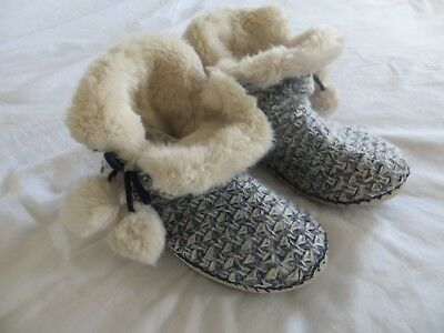 BNWT Ladies Girls Accessorize Cream Blue Knitted Slipper Boots Size UK 5-6