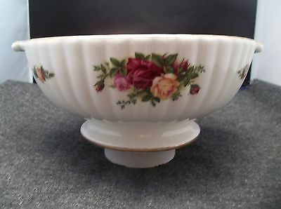 """Royal Albert Old Country Rose Fluted 9"""" Serving Bowl"""