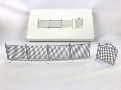 Department 56 Chain Link Fence With Gate Set Village Christmas 5234-5