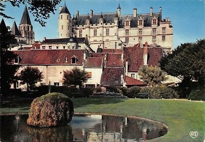 France Loches Le Chateau Royal et le Jardin Public, Castle Garden
