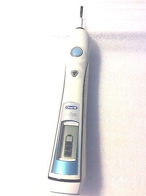 Braun 3738 Oral-B Triumph Professional Care Electric Toothbrush Handle Only READ
