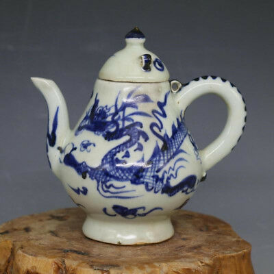 China Antique porcelain Yuan Dynasty Blue And Whtie Hand-painted Loong Teapot