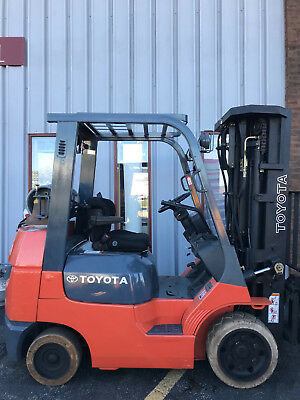 Quad Toyota 7Fgcu25 5000Lb Cushion Forklift Lifttruck