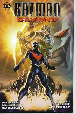 DC Comics Batman Beyond Vol2 - City of Yesterday - Softcover - FREE SHIPPING