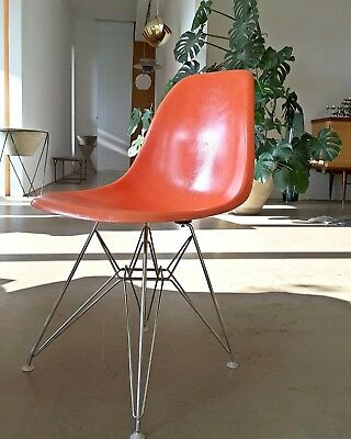 Eames Eifel-Tower Fibre Side Chair Stuhl Fiberglas Herman Miller Eiffel Base