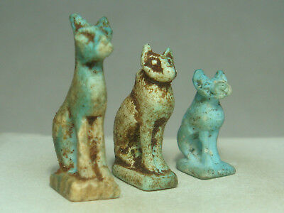 Ancient Egyptian goddess Bastet - Cat - Amulets (Faience) - Lot of 3