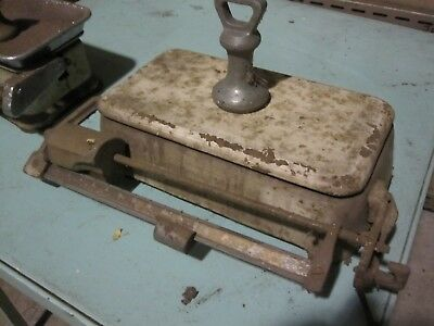 2 x Small Vintage Antique Shop Scales and assorted parts & weights.