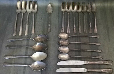 1949 Holmes and Edwards IS Inlaid Lot of 22 Pieces of Silverware Spring Garden