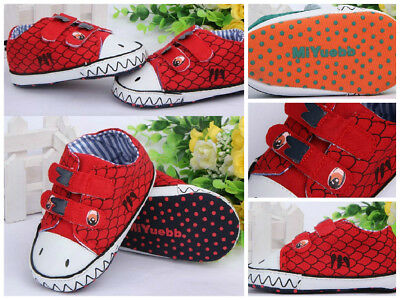 Zapatos para bebé. Baby shoes first walkers, baby toddler. Dinosaur models T-13