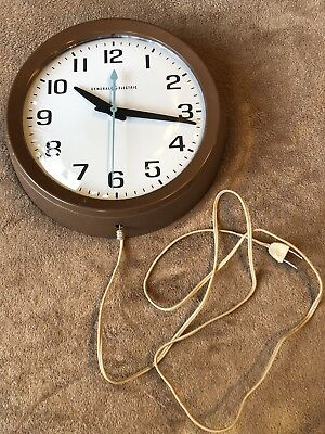 Vintage General Electric Model 2008-A Electric School Wall Clock Brown