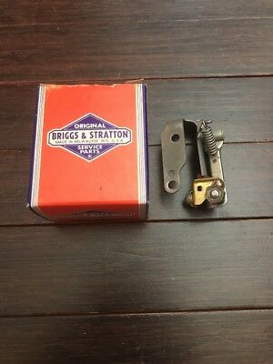 NOS Briggs and Stratton OEM Ignition Breaker Assembly 298185