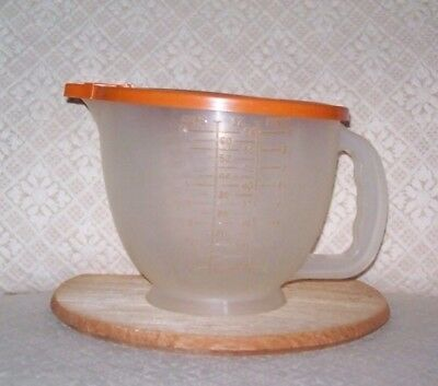 TUPPERWARE Vintage 1977 Mix N Store 8 Cup Measuring Bowl #500-3 Orange Lid 696-8