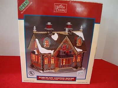 Lovely Lemax Lighted Porcelain House Village Collection 2001 Christmas Holiday