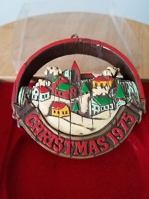 Vintage Hallmark Ornament Peace On Earth Christmas 1975