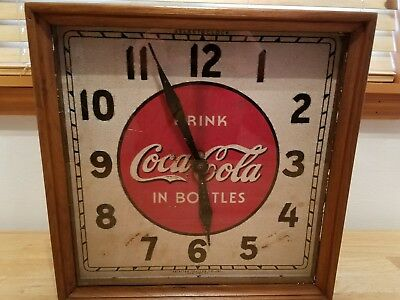 VINTAGE Wood Framed Selected Devices Co Inc. Coca Cola Clock WORKS GREAT !