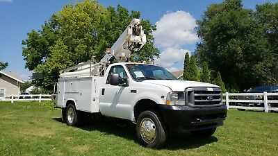2004 Ford F450 35' Bucket Boom Truck Telescopic AC Utility Service Gas Low miles