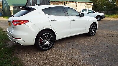 Maserati Levante 3.0 D Zegna Edition 17/17 Reg Very Minor Damaged Salvage Drives