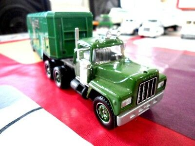 Solido France 1/60  Mack R600 Fire Department