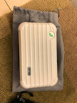 EVA AIR RIMOWA Amenity Kit with pouch - Color White