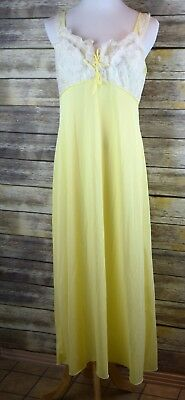 Vintage CHIC LINGERIE Yellow Nylon Long Nightgown with Lacey Bust. Size 16