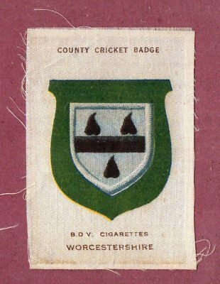 Silk cigarette cards 1921 County Cricket Club Badge Worcestershire #641