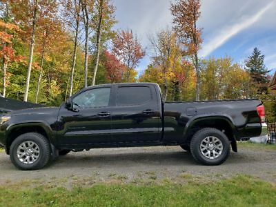 2017 Toyota Tacoma SR5 2017 toyota Tacoma SR5 DBL Cab Long Bed 4X4 New tires Like New condition