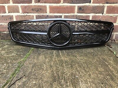 Mercedes-Benz W204 Facelift Radiator Bumper Grille C63 Style Gloss Black 2012-