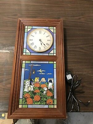 Peanuts Snoopy Charlie Brown Stained Glass Clock, Danbury Mint B9130