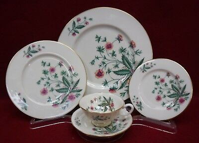 LENOX china COUNTRY GARDEN 5-piece place setting - dinner salad bread cup saucer