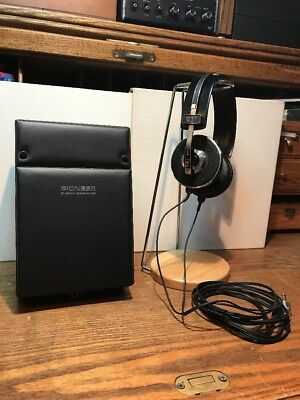 Rare Vintage Pioneer SE-11 Stereo Headphones With Case