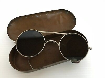 Vintage spectacles tinted in original tin - marked The Hadley Company