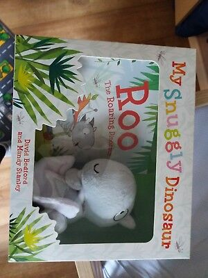 My snuggly dinosaur. Roo. Book and toy gift set