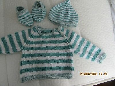 brand new hand knit baby set sweater, hat and slippers 0/3months machine wash