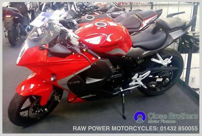 Hyosung GT125 R Red Pre Reg - Free UK Mainland Delivery Available