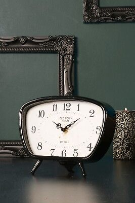 Small Black Old Town Mantel Clock Retro Vintage Design Battery Operated