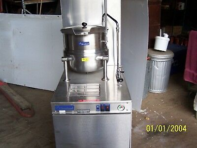 Cleveland 24 GMK 10 2/3 steam jacketed kettle on base with gas steam generator
