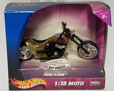 Twin Flame Mattel X7722 Hot Wheels Moto 1:18