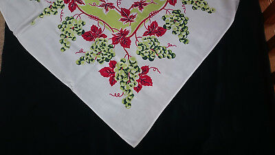 Vtg PRINT TABLECLOTH RED & CHARTREUSE GRAPES & GRAPE LEAVES / VINES