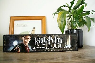 Harry Potters Wand with Illuminating Tip NEW, UNUSED by The Noble Collection